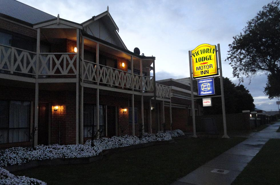 We offer spacious 4 star motel style accommodation and 4.5 star one or two bedroom apartments.